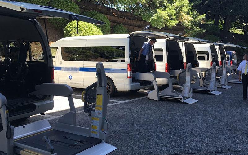 パラリンピック車椅子送迎車